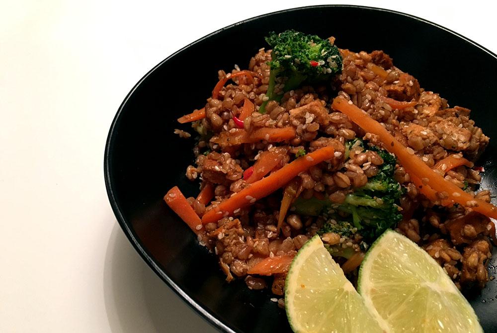 Matvete med tofu, morot, broccoli och sesamolja.